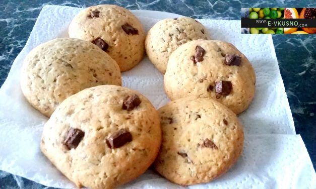 Бисквитки с парченца шоколад